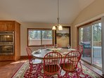 Tahoe Woods Penthouse - Dining table for 6