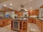 Angora Mountain Lodge  - kitchen center island