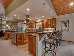 Angora Mountain Lodge  - kitchen breakfast bar 2