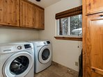 Moonlight Chalet - private laundry room