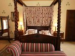 'Richmond' room with elegant four poster double bedroom