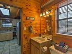 The cabin features 1 full bathroom.