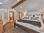 Level 4 Grand Master Bedroom with King Bed + Daybed (sleeps 3), 50' HD TV and Full Private Bath