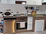 Microondas, horno, vitrocerámica, lavavajillas y cafetera Tassimo