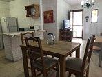 Cocina, comedor  y sala de estar