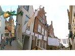 Hanzestad Deventer (15min.) onze favoriet: mooie oude binnenstad met leuke adresjes en goede horeca.