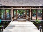 The Arsana Estate - Entrance to living room