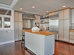 Your group's chef will love the fully equipped kitchen.