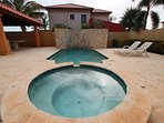 Your private swimming pool with Hot Tub to enjoy to Aruban sunshine