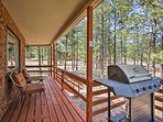 Step outside to the deck for incredible mountain views!
