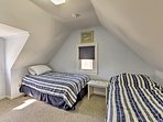 Four guests can sleep in this room.