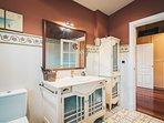 VILLA AURREKOSOLO by People Rentals - Bathroom