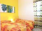 camera con 2 letti singoli o letto matrimoniale e condizionatore