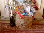 Pretty! Short stay festive period hamper, min 3 nights