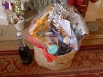 Short Stay (min 3 days) hamper for Christmas/New Year period. Lovely decorations also!
