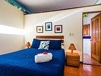 Queen sized bed in apartment/studio