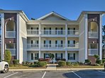 This unit sleeps 6 and is conveniently located to all of the Myrtle beach sites.