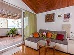 A1(4+2): living room