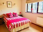 Pretty double bedroom with en suite shower room