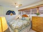 Kona Mansions #C305 - Master bedroom King bed