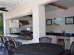 Lakeside Beach House - Image 21