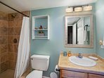 Kona Mansions #C211 - Full bathroom