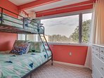 Gulf Highlands 169-Bunk beds with full sezed bottom bunk
