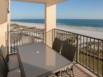 Al fresco dining for 6 overlooking beach and Gulf