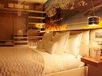 Un dormitorio muy,  muy confortable.