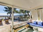 Bright bayfront rental w/ free WiFi w/ peaceful location near beach & park!