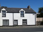 BOUNDY'S HOUSE, comfortable, pet friendly cottage, close to beaches. St Ives 3 m