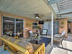 Watch the game alfresco in the furnished lanai.