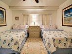 2 queen beds in the 1st guest room.