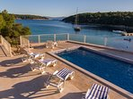 Beachfront pool villa for rent, Brac