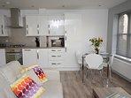 Modern Loung/Diner/Kitchen