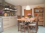 Godetevi la sala open space / cucina / sala da pranzo questo delizioso offerte immobiliari