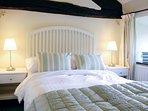 Una bella camera da letto matrimoniale