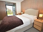 Ground floor ensuite double bedroom with dual view
