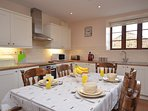 Well-equipped kitchen,a perfect space to cook and enjoy some family meals