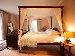 Sumptuous four poster with en-suite shower room