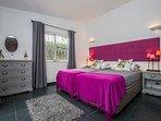 Luxury twin room.