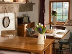 A lovely farmhouse table for lazy breakfasts