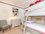 Cool bunk bedroom