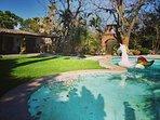 Villa familiar 1600mt2 con alberca, asador, hamaca, asoleadero, juegos de mesa.