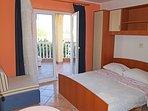 A4(4+1): bedroom