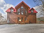 Tucked between Pigeon Forge and Gatlinburg, this home is a convenient retreat!