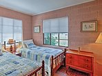 Additional guests or children will sleep peacefully in the second bedroom.