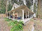 Charming Cottage on McKenzie River w/ Loft, Wraparound Porch & Fire Pit