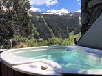 Lantern 10 Thredbo Hot Tub and View
