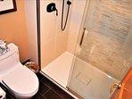 Bathroom 3 - 1.JPG